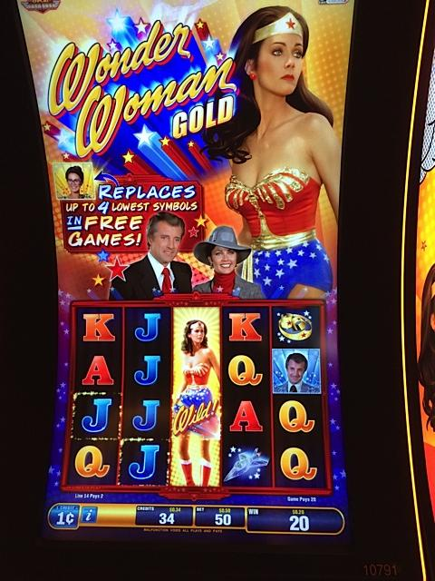 Wonder Woman Slot Machine Online